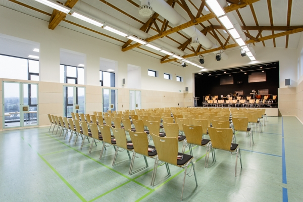 gemeindehalle-056491A795-745E-DDDC-F27F-B5CB75904657.jpg