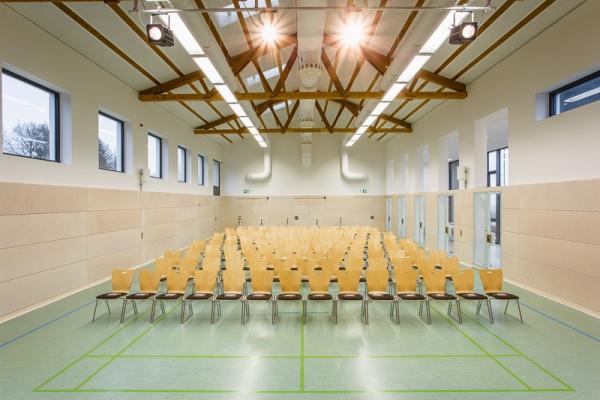 gemeindehalle-067142E452-0A31-F2F5-2C63-D6C4FD4BF722.jpg